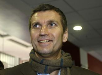 New 1. FC Nuremberg coach von Heesen arrives for a news conference in Nuremberg