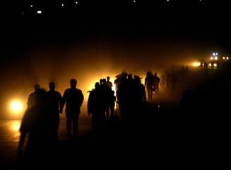 Palestinians burn synagogue of Netzarim in northern Gaza strip.
