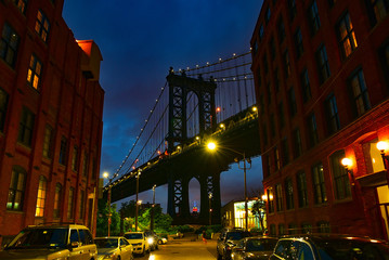 Wall Mural - Brooklyn - Manhattan Bridge at night
