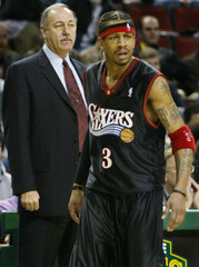 76ERS ALLEN IVERSON AND COACH CHRIS FORD DURING GAME AGAINST SUPERSONICS.