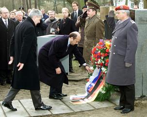 RUSSIAN FM IVANOV AND GERMAN FM FISCHER LAY A WREATH IN SACHSENHAUSEN.