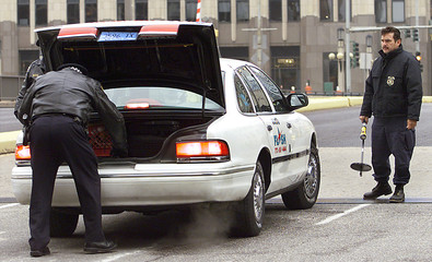 CHICAGO POLICE AND ATF AGENT SEARCH VEHICLE IN CHICAGO.