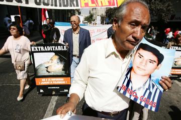 Peruvians protest against former president of Peru Alberto Fujimori in Santiago