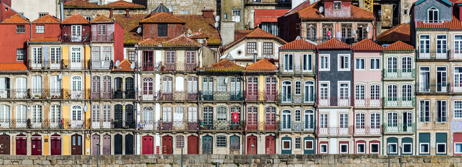 Tenement houses in Ribeira district of Porto, Portugal Fototapete