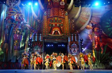 DANCER PERFORMS DURING CARNIVAL CELEBRATION IN LAS PALMAS.