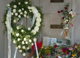 40TH ANNIVERSARY OF MARILYN MONROE DEATH MARKED.