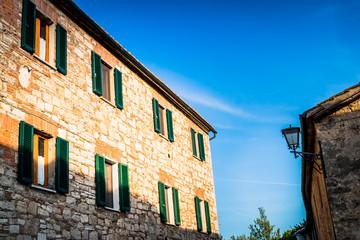 Le village de San Quirico d'Orcia en Toscane
