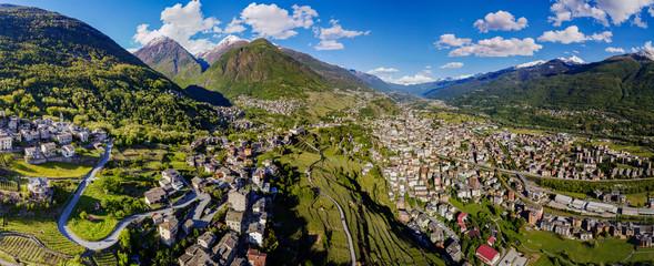 Valtellina (IT) - Vista aerea panoramica di Sondrio e frazioni