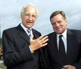 BAVARIAN STATE PRIME MINISTER STOIBER AND GERMAN RAILWAY CEO MEHDORNARE SEEN IN LAHTEN.
