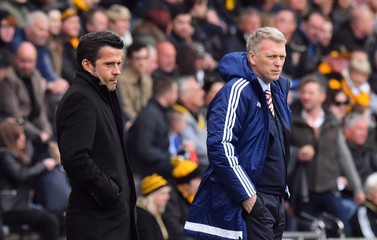 Hull City manager Marco Silva and Sunderland manager David Moyes