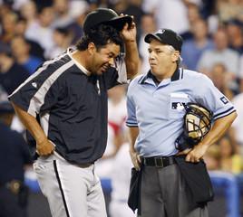Chicago White Sox manager Guillen in arguement in New York