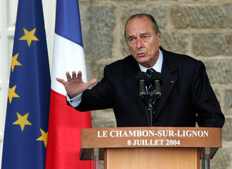 FRENCH PRESIDENT CHIRAC DELIVERS A SPEECH IN CHAMBON-SUR-LIGNON RAILWAYS STATION.