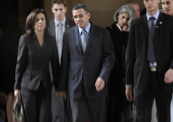 El Salvador's President-elect Mauricio Funes and his wife Vanda Pignata arrive at the Paris courthouse