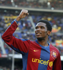 Barcelona's Eto'o celebrates a goal against Valladolid during their Spanish First Division Soccer League match in Barcelona