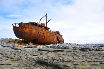 Acrylic Prints Shipwreck Shipwreck on Inis Oirr