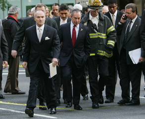 Mayor of New York and Police Commissioner visit Site of small explosion outside British Consulate in ...