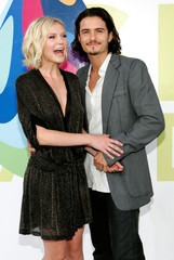 Orlando Bloom and Kirsten Dunst arrive at the 2005 MTV Video Music Awards in Miami.