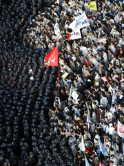 RIOT POLICE BLOCK PROTESTERS TRYING TO MARCH TO NATIONAL ASSEMBLY INSEOUL.