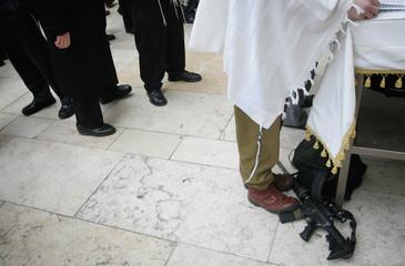 Jewish men attend special Passover prayers in Jerusalem