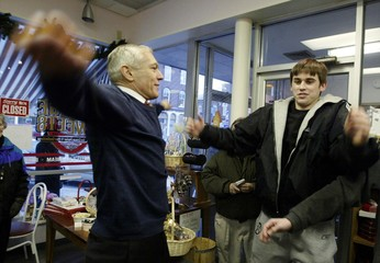 WESLEY CLARK DOES JUMPING JACKS IN CONCORD.