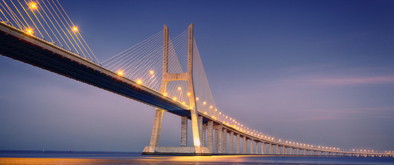 Photo sur Aluminium Pont sunrise on Vasco da Gama bridge