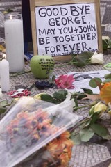 ITEMS LEFT IN TRIBUTE TO THE LATE GEORGE HARRISON IN STRAWBERRY FIELDSIN NEW YORK.