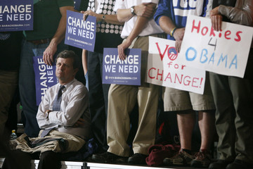 A supporter of US Democratic presidential nominee Senator Barack Obama attends a campaign rally in Roanoke