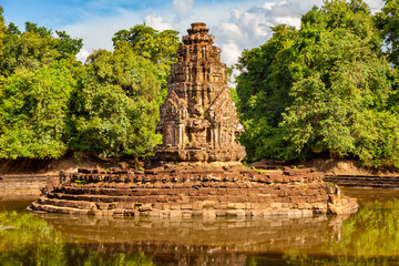 Neak Pean, artificial island with a Buddhist temple in Preah Khan Baray, Angkor, Cambodia