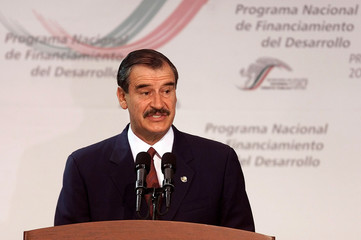 MEXICAN PRESIDENT FOX SPEAKS DURING A PRESENTING A GOVERNMENT PLAN.