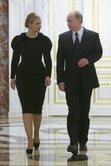 Russia's PM Putin and his Ukrainian counterpart Tymoshenko meet for talks in Moscow