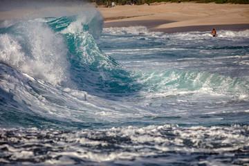 Hawaiian shorebreak waves in Pacific ocean