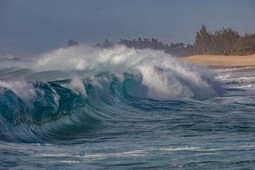 Hawaiian shorebreak waves in Pacific ocean