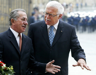 Cypriot President Papadopoulos is welcomed by Czech counterpart Klaus in Prague.