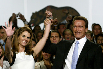 California gubernatorial candidate Arnold Schwarzenegger and wife Maria Shriver celebrate his win in..