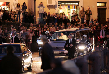 Pope John Paul II arrives in San Peter's Square in the Vatican after leaving the Gemelli hospital.