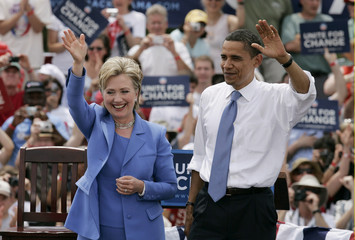 US Democratic presidential candidate Senator Obama and Senator Clinton appear on stage in the town of Unity