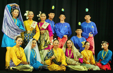 MALAYSIAN GHAZAL DANCERS IN TRADITIONAL COSTUME POSE IN KUALA LUMPUR.