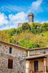 Le village de Radicofani en Toscane