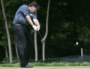 Phil Mickelson tees off on 12th hole in first round of 106th U.S. Open in Mamaroneck
