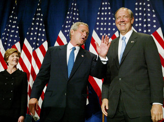 US President George W Bush and Governor Pataki at New York fundraiser.