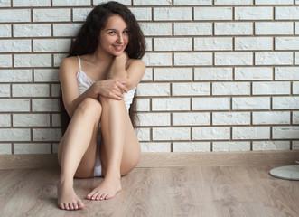 Девушка сидит на лицо фото 531-210