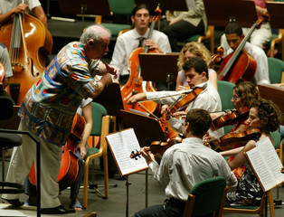 DANIEL BARENBOIM CONDUCTS THE YOUNG MIDDLE EASTERN AND SPAIN ORCHESTRADURING REHEARSAL IN SEVILLE.