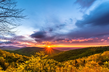 Sunrise from Tunnel Parking Overlook. Shenandoah National Park. Wall mural