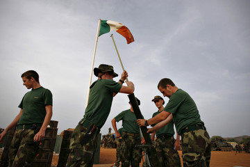 Irish EUFOR troops reinforce their defences the day after heavy fighting in eastern Chad