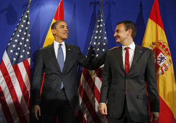 U.S. President Obama meets with Spain's PM Zapatero at the E.U. Summit in Prague