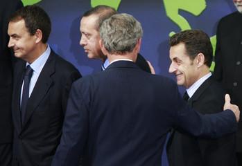 Bush talks with Zapatero, Erdogan and Sarkozy at the G20 Summit on Financial Markets and the World Economy in Washington