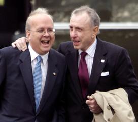 White House Deputy Chief of Staff Rove walks with Pennsylvania Senator Specter in Avoca