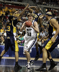 University of Pittsburgh's Gray is defended by Kent State University's players in Auburn Hills