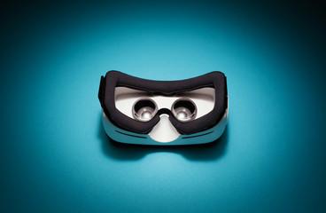 Virtual reality headset device