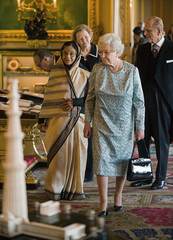Britain's Queen Elizabeth shows India's President Patil items from the Royal Collection at Windsor Castle